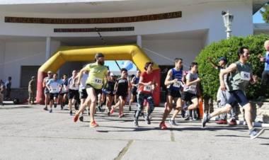 Ángeles Arroyo y Facundo Sandoval ganaron los 21 K de la Infantería de Marina