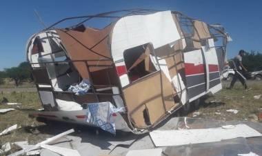 La Pampa: Una familia puntaltense volvía de vacaciones y volcó
