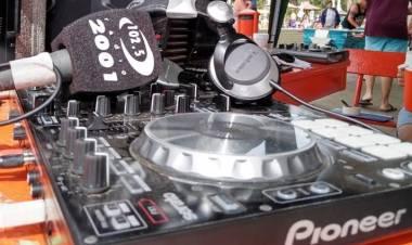Pehuen Co: Radio 2001 transmitirá desde la Playa este sábado