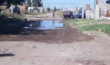 Piden mantenimiento de calles para el barrio Laura