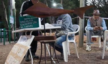 Pehuen Co: Comienzan a deslumbrar las esculturas creadas en madera