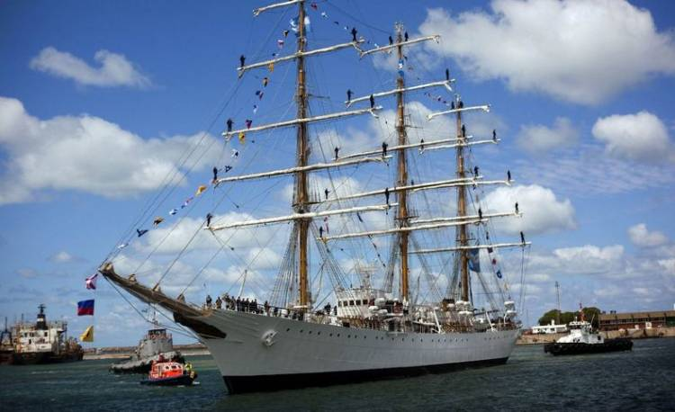 Investigan a dos tenientes por un presunto abuso sexual en el viaje de la Fragata Libertad