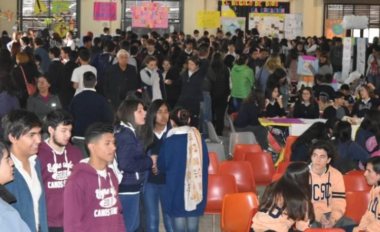 Más de 800 alumnos en la feria escolar
