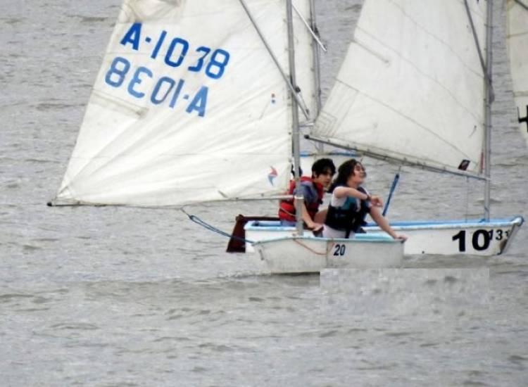 "Se inaugura la escuela de vela ""Punta al Mar"""
