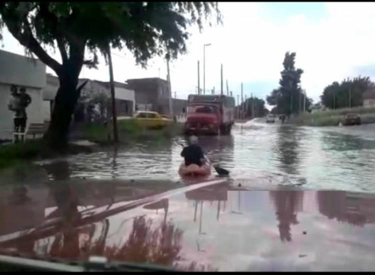 Grandes precipitaciones sobre la ciudad, y se sintió en las calles