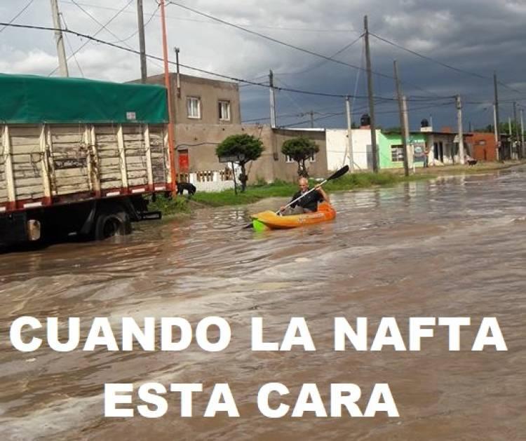 """Tras la lluvia, los """"memes"""" no se hicieron esperar"""