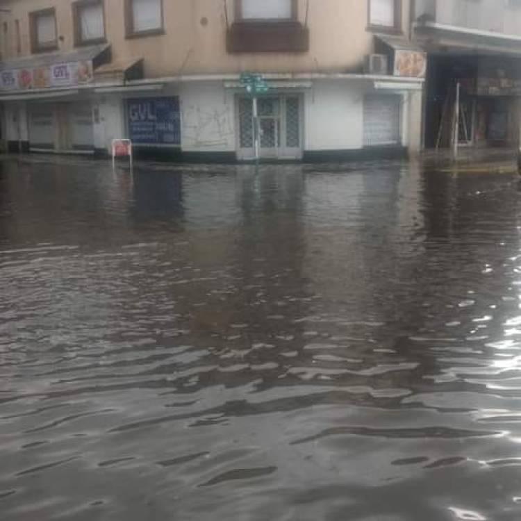 Concejales de la oposición quieren reunirse con Uset y el titular de Obras por las calles inundadas del centro