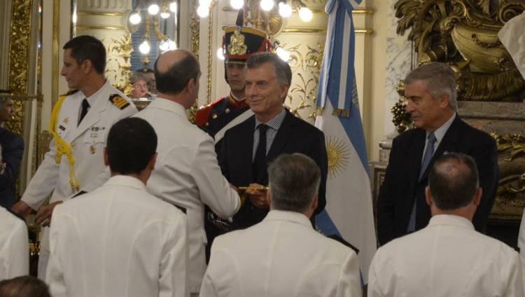 El Presidente de la Nación entregó símbolos de mando a Generales, Almirantes y Brigadieres de las Fuerzas Armadas