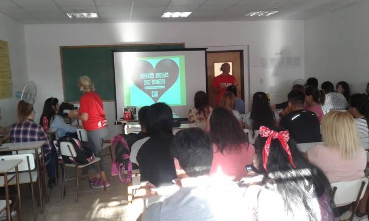 Organizadas por Juventud, comenzaron las charlas para donación de Médula Ósea