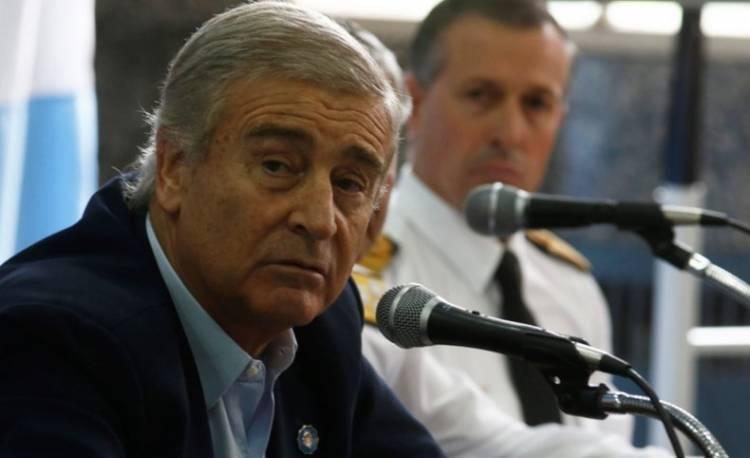 """El ministro de Defensa insiste en que se van a """"estudiar las posibilidades"""" para recuperar los restos del submarino"""