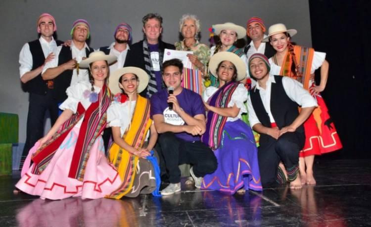 Los talleres municipales de Cultura tuvieron su gran gala de cierre de año en el Colón