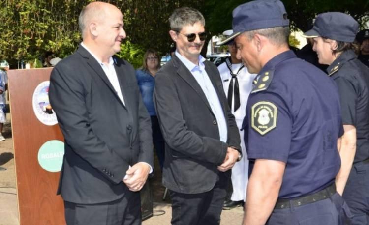 El Municipio exhortó a policías a honrar su uniforme, en un acto en homenaje a la fuerza