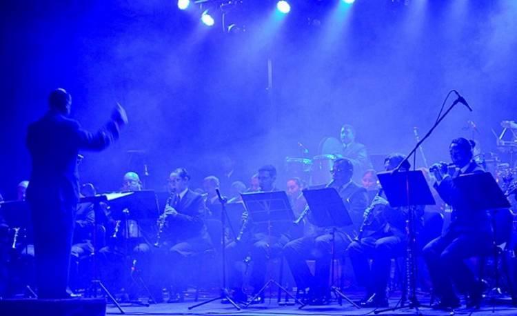 La Banda de Música de la Base hace una gala nocturna en el Parque Centenario
