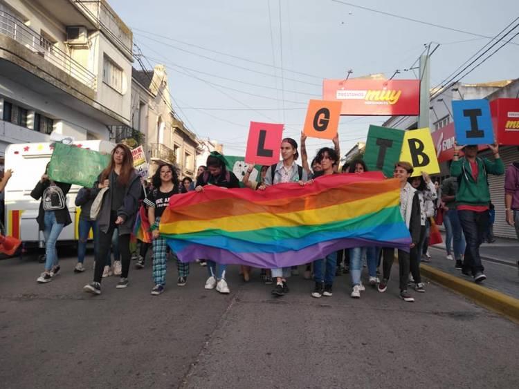 Histórica Marcha del Orgullo por las calles de la ciudad