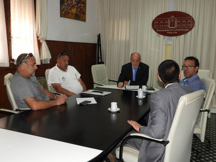 El Intendente recibió a representantes de SOMU y CGT por mano de obra en puertos