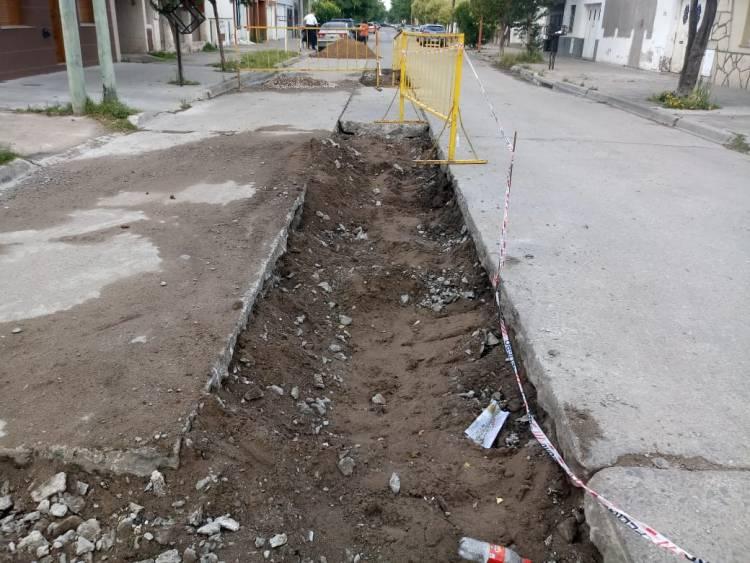 El Municipio repara el hormigón en Mitre y Saenz Peña