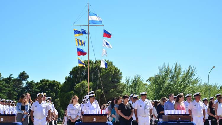 Puerto Belgrano: Ceremonia de paso a retiro de 132 suboficiales