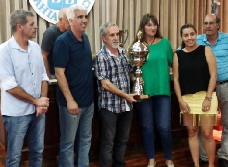 """Rosario recibió la copa del Torneo Clausura """"Julio Romero"""""""