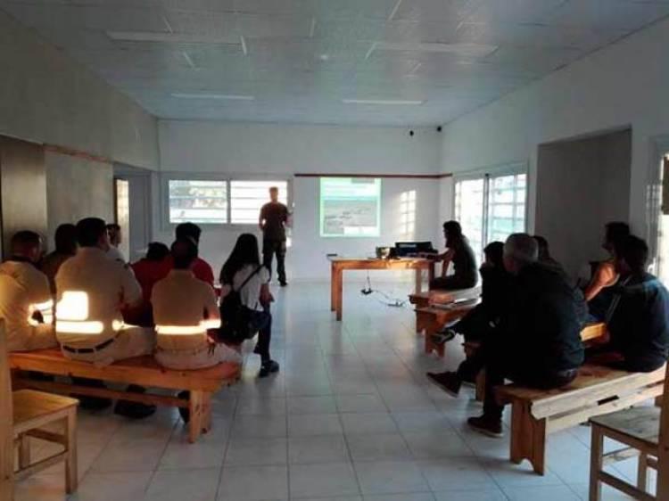 Pehuen Co: Se realizó una charla sobre comunicación por avistaje de fauna