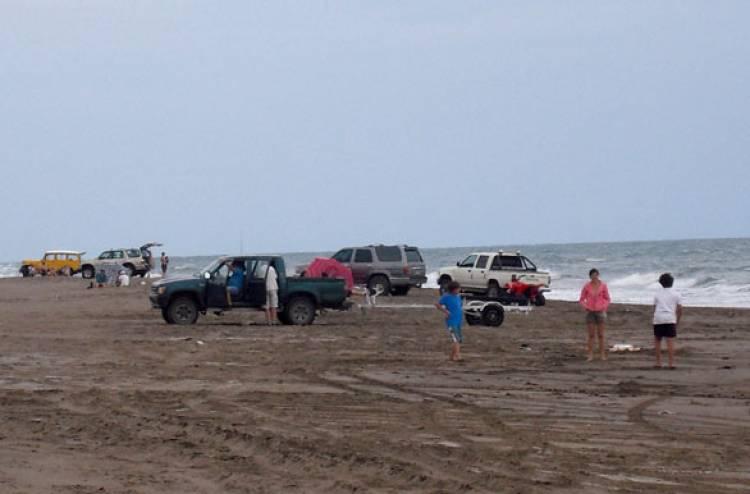 Procuran regular la bajada de camionetas a las playas