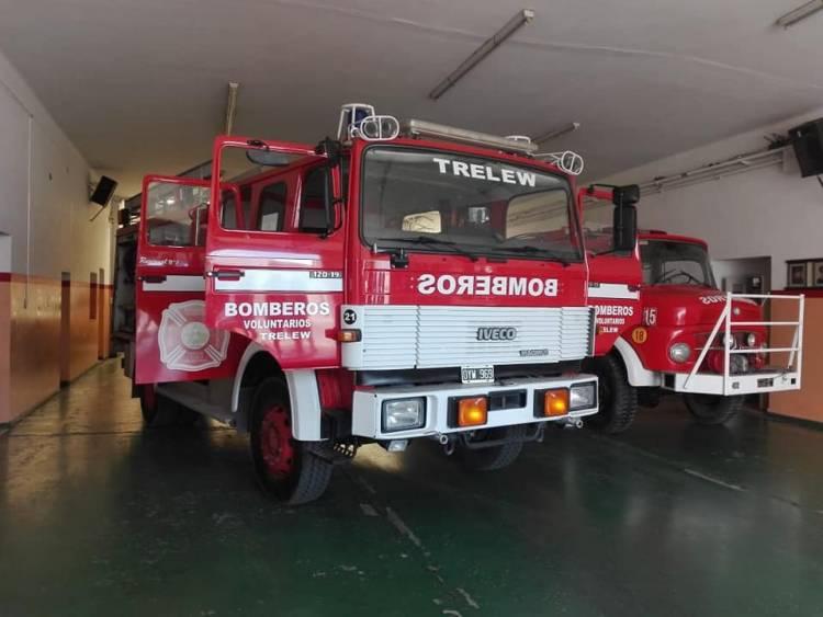 Gracias a la ayuda de un particular bomberos incorporó una nueva autobomba