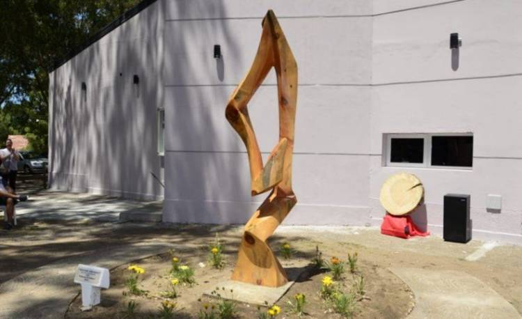 """Pehuen Co: Se viene el segundo encuentro de escultores """"Tallando identidad"""""""