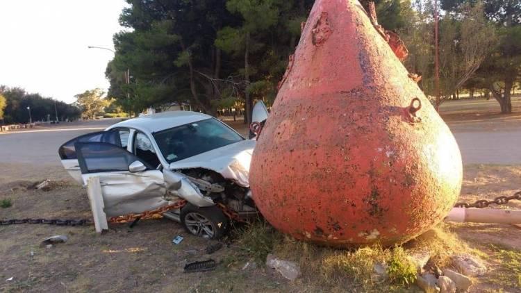El futbolista Sergio Escudero denunció que le robaron el auto y se lo chocaron