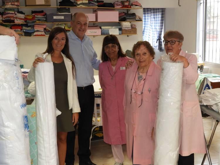 El Municipio entregó al Voluntariado Goretti telas prometidas por la Gobernadora Vidal