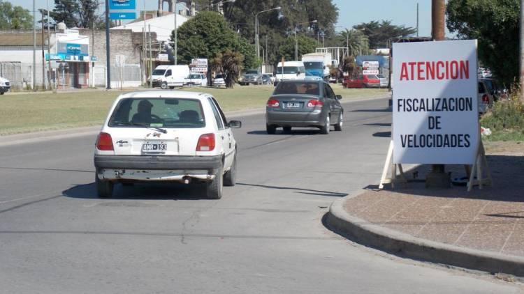 Procuran prohibir renovación de licencias si hay multas pendientes