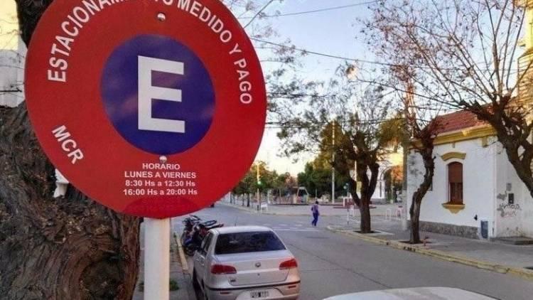 Recomiendan actualizar la app del estacionamiento medido y pago por problemas con la carga de crédito