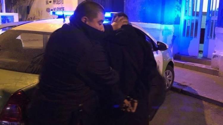 Tras operativos realizados se demoraron a cuatro personas y  secuestraron un vehículo