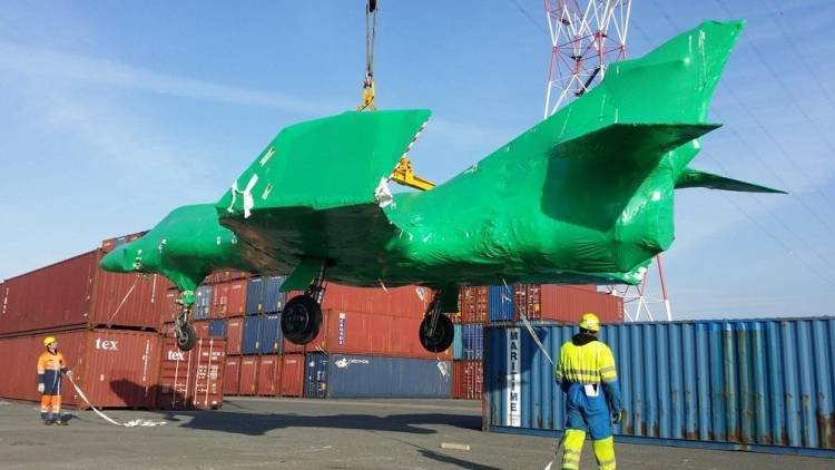 Llegan los aviones Super Etendard comprados a Francia