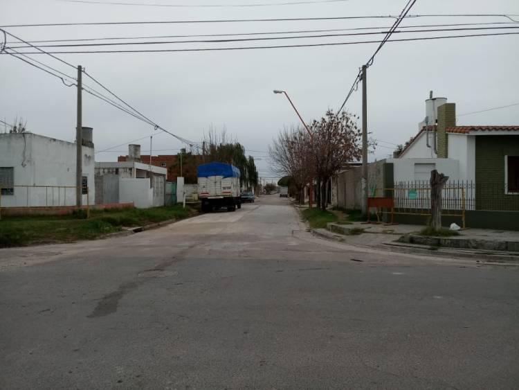 Se reabrió el tránsito vehicular en calle Hipólito Yrigoyen al 1700