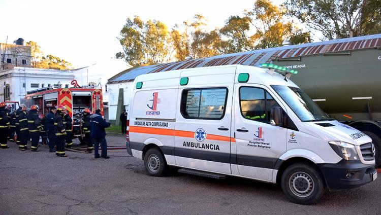 Personal del Hospital Naval Puerto Belgrano realizó un simulacro de incendio y evacuación de heridos