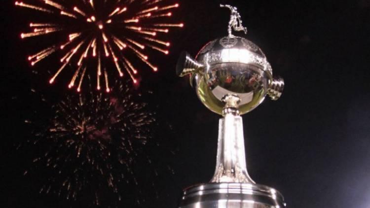 Plaza Belgrano: Este domingo la Filial de River va a exponer las últimas copas ganadas por el Club