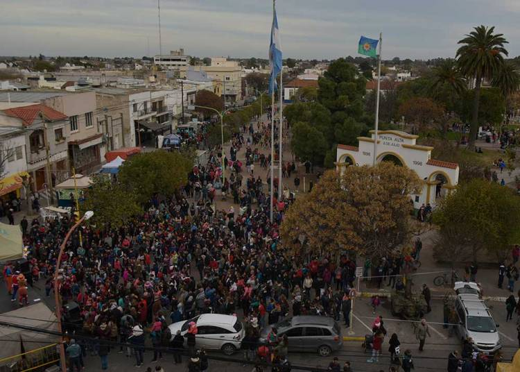 Punta Alta celebró sus 121 años con una gran fiesta en la Plaza Belgrano
