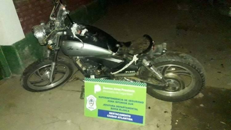 Un hombre aprehendido por circular con una moto robada