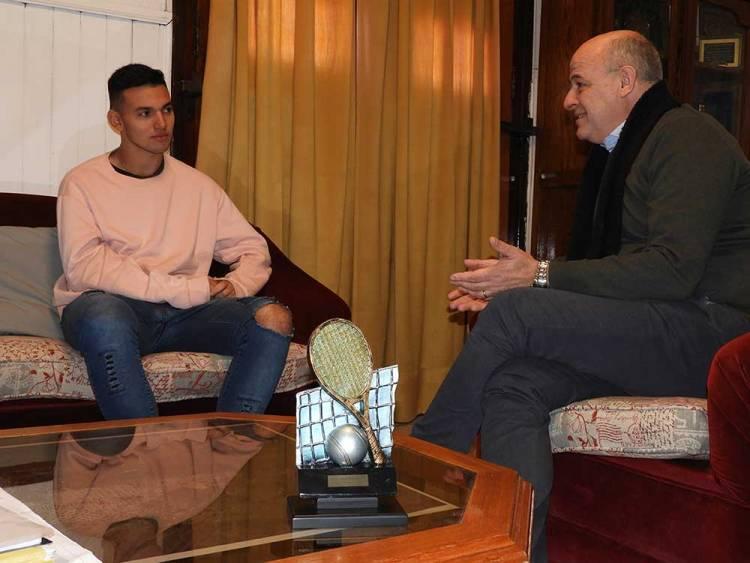 El Municipio recibió al joven tenista puntaltense Ángel Delon