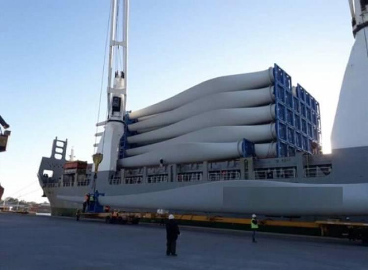 Arribaron los componentes para un nuevo parque eólico