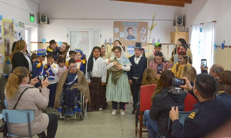 La Escuela Especial Stella Maris recordó al Gral San Martín