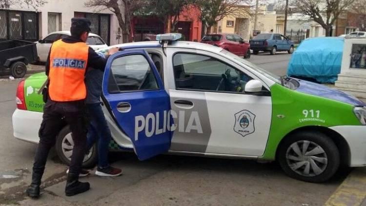 Un empleado del Hospital Municipal Eva Perón detuvo a un joven que entró a robar