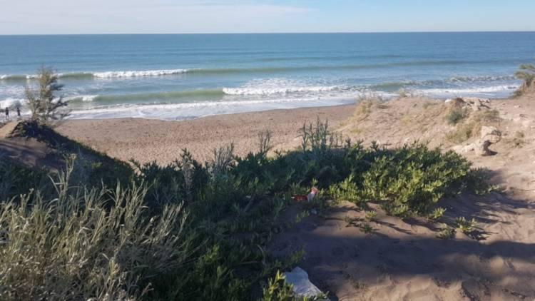 Pehuen Co: Alarma por el riesgo cada vez mayor de la erosión costera
