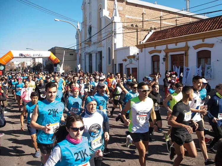 Más de 500 personas corrieron los 9K y 21K de Punta