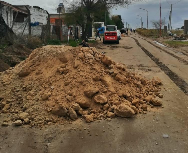 Por obra de cordón cuneta, habrá cortes de tránsito en 25 de mayo frente al Cementerio