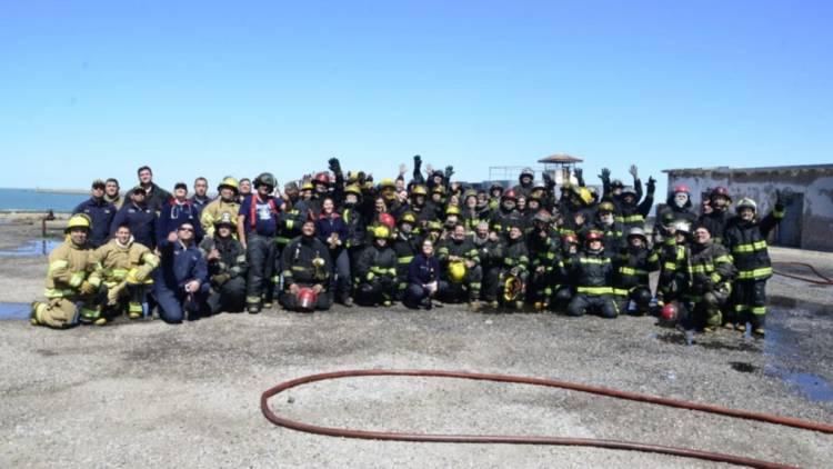 Bomberos de nuestra ciudad y la zona realizaron una jornada de práctica