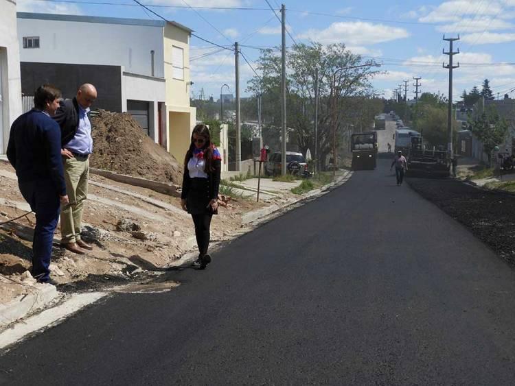 Con los trabajos de calle Guaraní, finaliza el plan de pavimentación de 30 cuadras