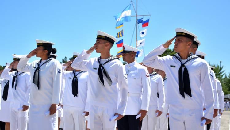 Se realizó la ceremonia de egreso en la Escuela de Suboficiales de la Armada
