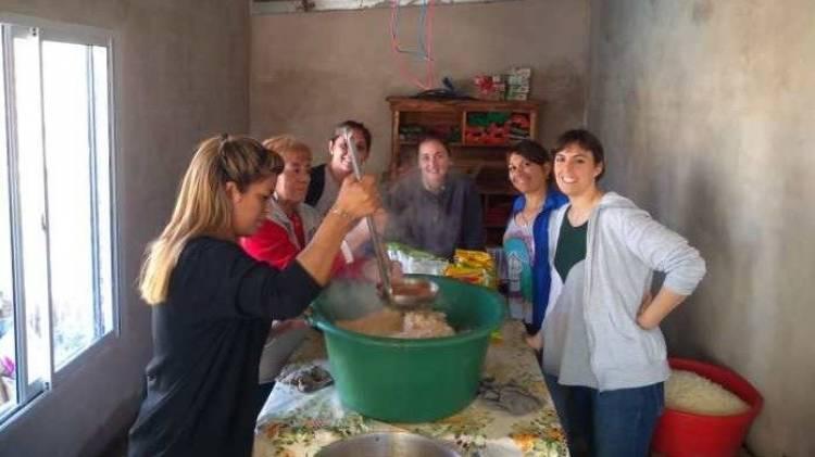 Pehuen Co: Treinta niños de un merendero pampeano cumplirán el sueño de conocer el mar