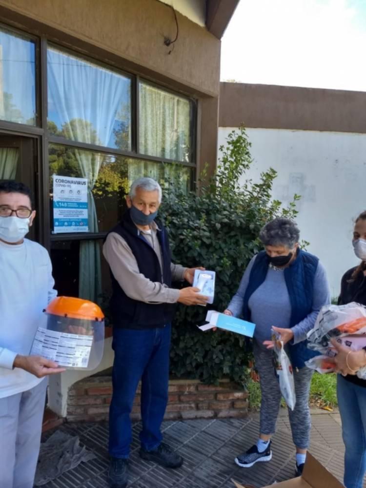 """La Sociedad de Fomento """"Amigos de Pehuen Co"""" compró materiales e instrumental destinados a la Sala Médica local"""