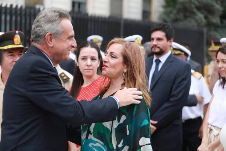 Rossi convoca a ex Ministros de Defensa para plantear una reforma a las FFAA